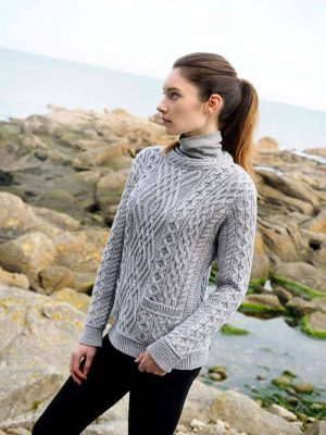 CABLE CREW NECK SWEATER WITH POCKETS - C4443