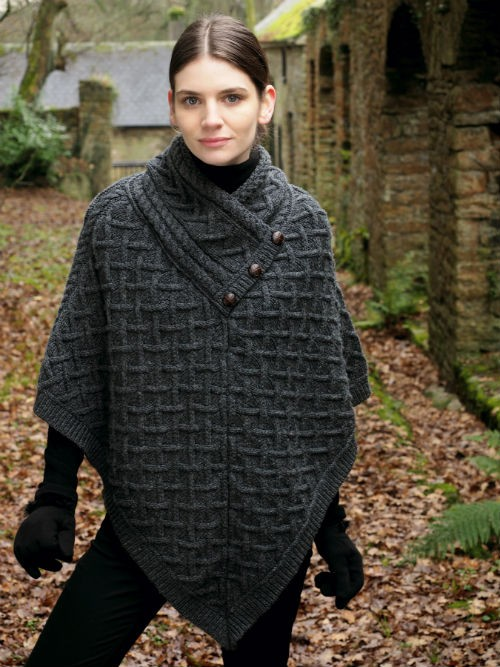 Cable pattern poncho from arancrafts